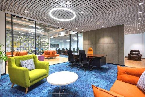 对郑州办公楼装修的空间延展性运用